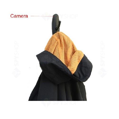 Microcamera HD ascunsa in cuier+card 4 GB gratis (detectie la miscare)
