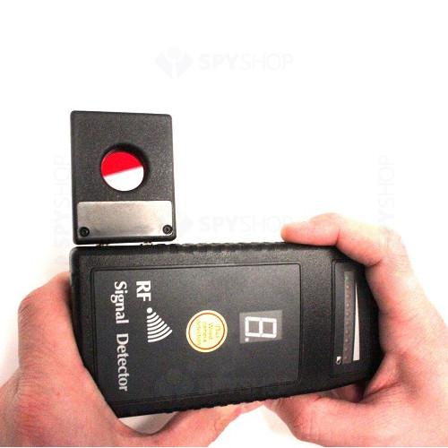 Detector de camere si microfoane