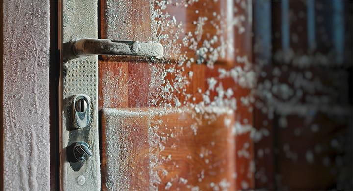 Cum afecteaza vremea rea securitatea casei tale?